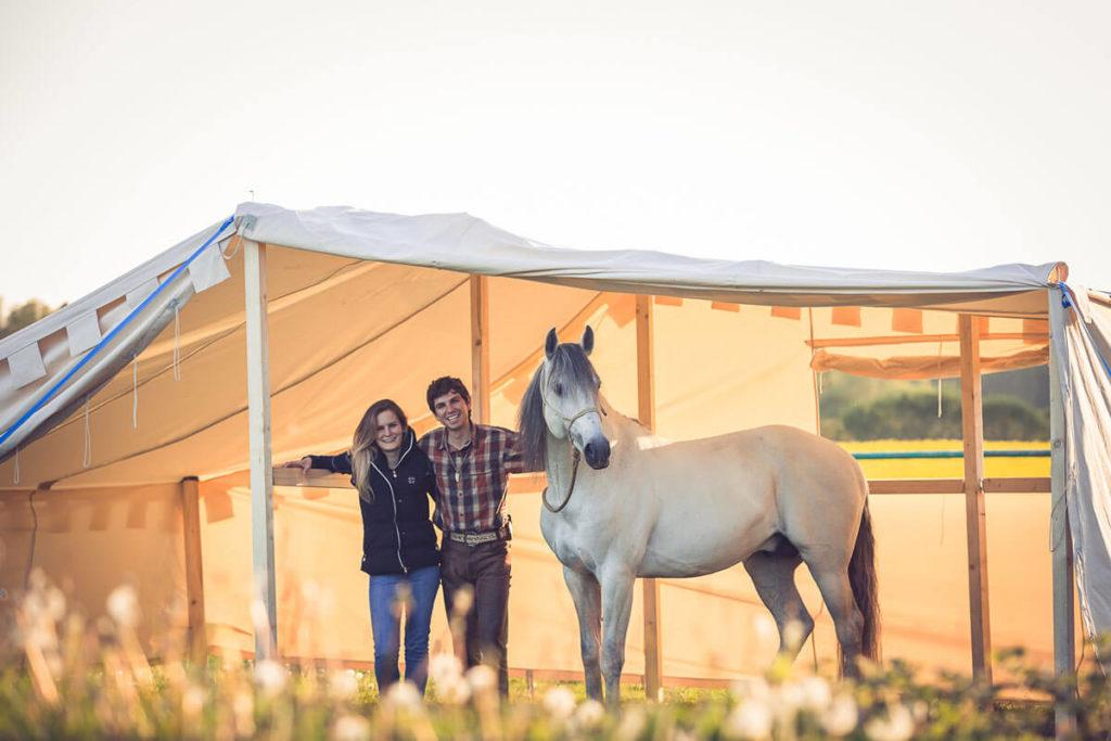 Equilumina-Zelten-mit-Pferd (6)